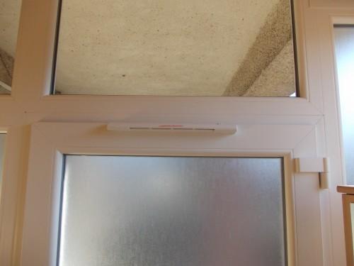 ablakszellőző ajtóba